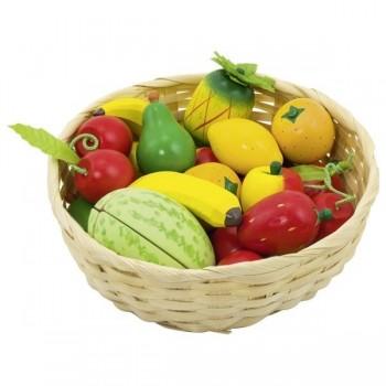 Drewniane owoce w koszyku...